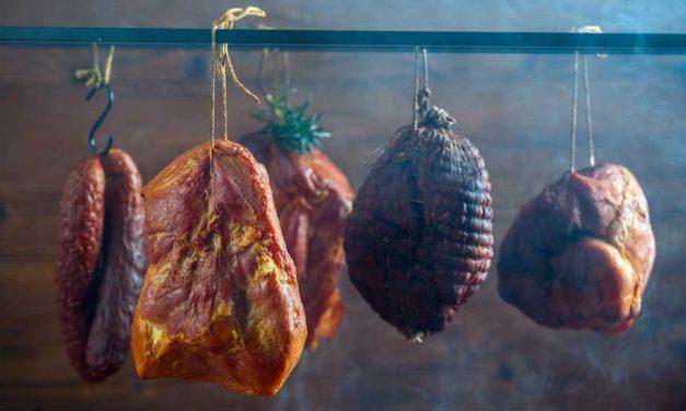 Europejskie mięsne przysmaki wielkanocne